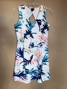 Tropical print dress in EUC